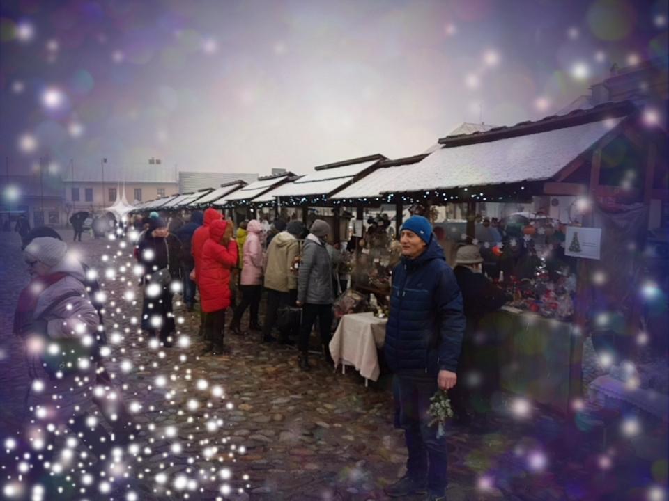 Zapraszamy - Ruszył Jarmark Bożonarodzeniowy w Starym Sączu